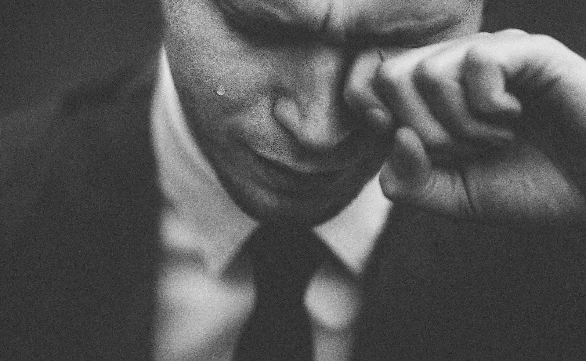 Hechizo para que llore y sufra por ti