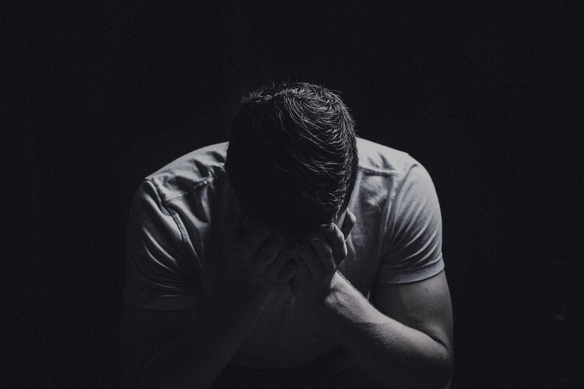 Oración para desesperar a un hombre en minutos - Hechizos de amor