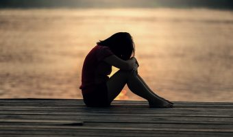 Oración para que piense en mi